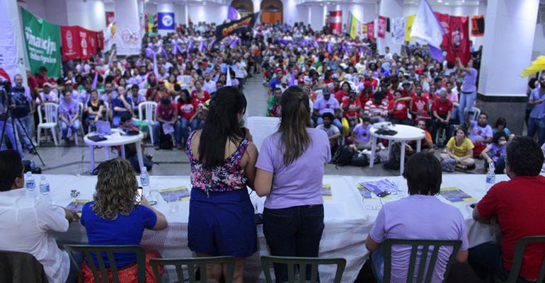 Ato de lançamento da Frente Povo Sem Medo lota auditório em São Paulo