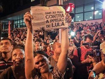 Ocupar as ruas e fortalecer a resistência contra a prisão de Lula!