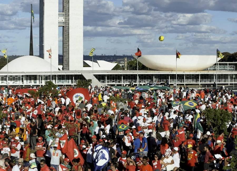 Os ataques do governo e a estrutura estatal do sindicalismo brasileiro
